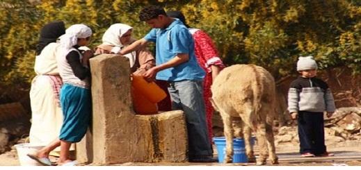 جماعات بالحسيمة تستفيد من مشروع لتزويد العالم القروي بالماء الشروب