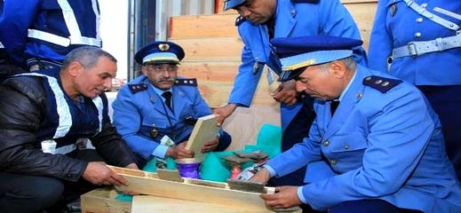 بارونات المخدرات بجهة الشمال فشلوا سنة 2019 في تهريب حوالي 82 طن من الممنوعات عبر ميناء طنجة