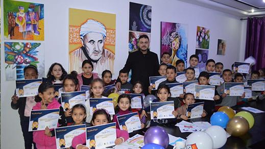 مركز الدريوش للغات والإعلاميات يحتضن معرض تشكيلي للفنان عماد أعروص