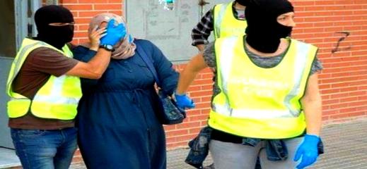 اعتقال مغربيتين تخليتا عن ابنيهما وسط مليلية المحتلة بحثا عن الرعاية