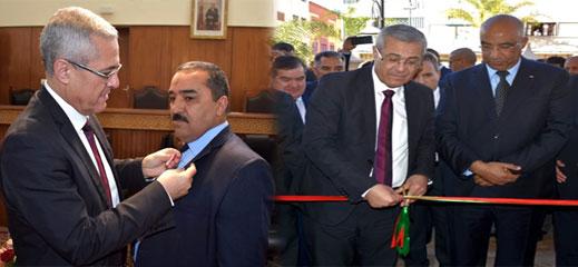 وزير العدل يُشرف على تدشين المحكمة الابتدائية للدريوش ويوشح موظفا بوسام ملكي