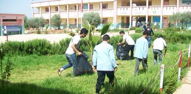 جمعية أموسو بآبث وريشش تنظم يوما بيئيا لتلاميذ الثانوية الإعدادية بن طيب 2