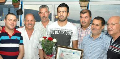 تكريم اللاعب أحمد جحوح بالناظور من طرف الإتحاد الجهوي للصحافة الإلكترونية بالريف