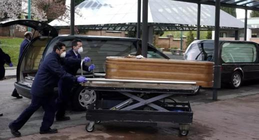 إسبانيا تحول حلبة تزلج في مدريد إلى مكان لحفظ الجثث مع تفاقم تفشي فيروس كورونا