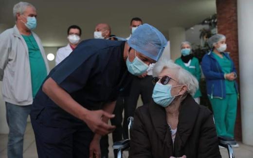 طنجة : سابع حالة شفاء من فيروس كورونا تغادر المستشفى