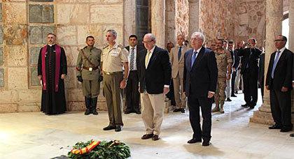 """وزير الداخلية الإسباني يزور موقع حرب أنوال الشهيرة """"سرا"""""""