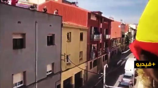 شاهدوا.. بهذه الطريقة احتفلت الشرطة الإسبانية بعيد ميلاد مُسنّة مغربية مغمورة في عز الطوارئ