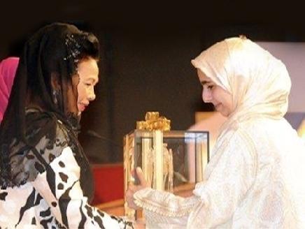 مغربية تنال الجائزة الدولية لتجويد القرآن بماليزيا