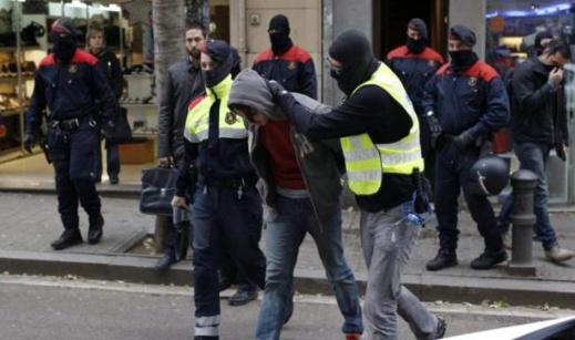 """اعتقال مغربي يشتبه في صلته بـ""""داعش"""" وتخطيطه لعمل إرهابي"""