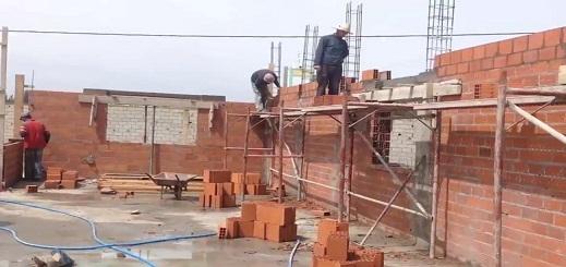 """وزارة إعداد التراب الوطني تصدر دليلا حول تدبير مخاطر انتشار"""" كورونا″ في أماكن العمل بقطاع البناء"""