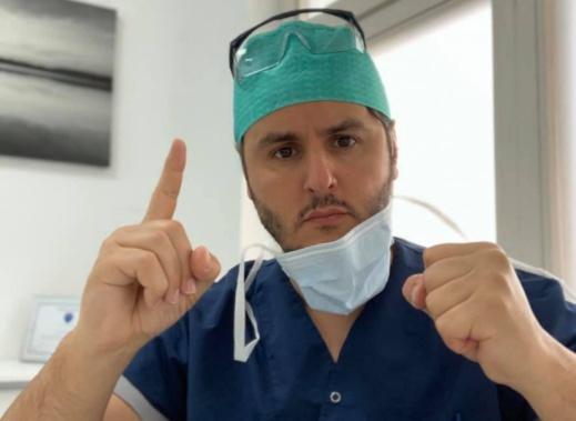 أمر الملك بنقله إلى هولندا.. طبيب ريفي يزف بشرى نجاح عملية الطفل الذي افترسته كلاب ضالة