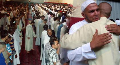 المهاجرون المغاربة يؤدون صلاة العيد بمساجد الفلاح والهدى والتبشير باسبانيا