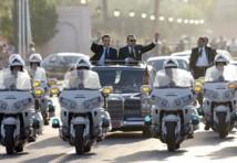 ساركوزي وزوجته يعودان من مراكش إلى فرنسا في الطائرة الخاصة للملك محمد السادس