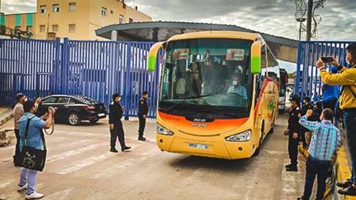 أخيرا.. 195 مغربي من المُرحّلين من مليلية سيعانقون أسرهم غدا السبت بعد التأكد من خلوهم من كورونا