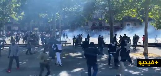 الآلاف من المهاجرين دون أوراق إقامة ينزلون الى شوارع باريس للمطالبة بتسوية وضعيتهم