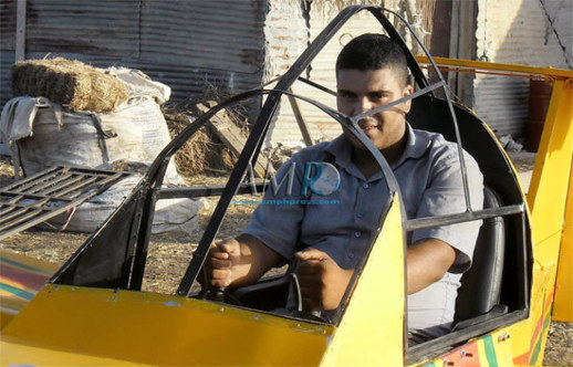 شاب مغربي يصنع طائرة تصل سرعتها 200 كيلومتر في ساعة.. والديستي والدرك تستنطقه وتحقق معه