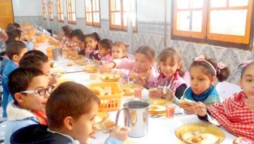 فتح باب الترشيح لاستفادة تلاميذ الوسط القروي من المنح الجديدة للداخليات والمطاعم المدرسية