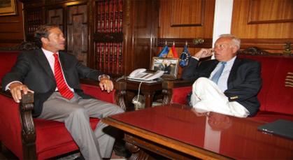 وزير الخارجية الاسباتي في زيارة رسمية إلى مدينة مليلية