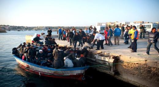 3700 مهاجر سري تمكنوا من عبور البحر إلى اسبانيا خلال فترة الحجر الصحي