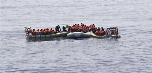 البحرية الملكية تعترض قاربا يقل 54 مرشح للهجرة السرية بسواحل الناظور