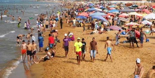 فتح الشواطئ وملاعب القرب والنقل السككي.. السلطات تعلن عن تدابير جديدة للتخفيف من الحجر الصحي