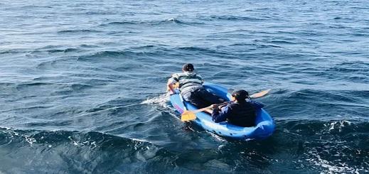 """إنقاذ 5 مهاجرين مغاربة حاولوا """"الحريك"""" الى إسبانيا عبر التجديف"""