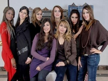 مغربيات يتبارين على لقب الفتاة المثالية