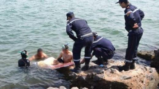 رغم منع السباحة.. غرق شاب في مقتبل العمر بشاطئ السعيدية ونجاة صديقيه