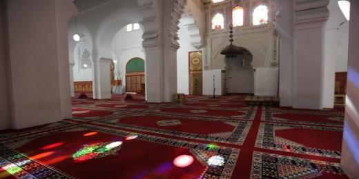 المجالس العلمية للشرق: احتمال نقل كورونا في المساجد أعلى من المقاهي وغيرها من المرافق التي فتحت