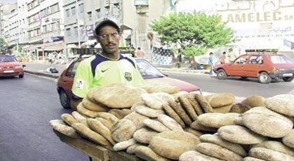 الحكومة تخصص 100 مليار سنتيم من أجل الخبز