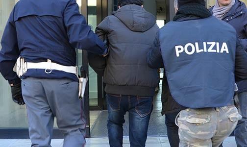 """عقوبة سجنية ثقيلة لمهاجر مغربي قتل إيطالياً لأنه """"سعيد بحياته"""""""