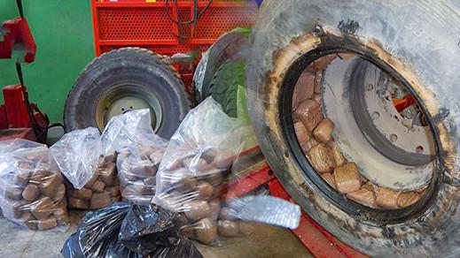 حجز كمية مهمة من الحشيش مخبأة في عجلات شاحنة بميناء مليلية