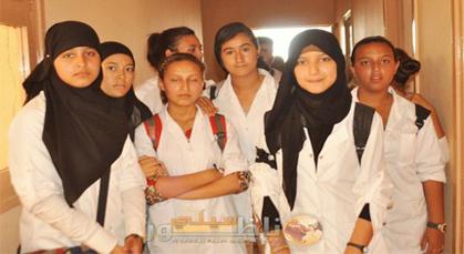 تلاميذ اعدادية علال الفاسي 2 بزايو يطالبون بأساتذة الرياضيات والفيزياء والعربية في وقفة احتجاجية