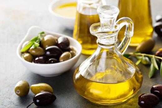 المغاربة ضمن أكثر الشّعوب المستهلكة لزيت الزيتون على صعيد العالم