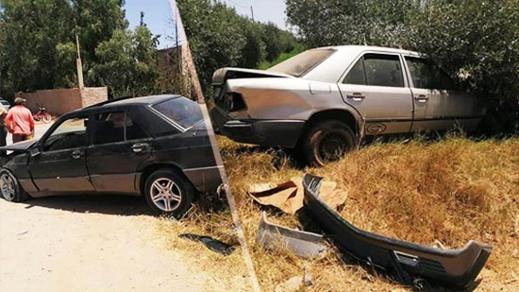 تصادم بين سيارتين بجماعة بني وكيل يخلف خسائر مادية جسيمة