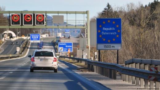 فرنسا تتجه إلى إغلاق حدودها مجددا بعد ظهور موجة ثانية من كورونا في إسبانيا