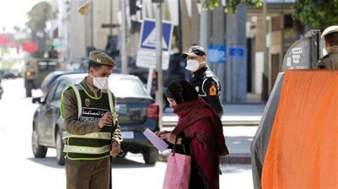 شرطة الناظور توقف 15 شخصا بسبب عدم وضع الكمامات