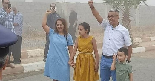 الصحافي المهداوي يعانق الحرية بعد 3 سنوات من السجن