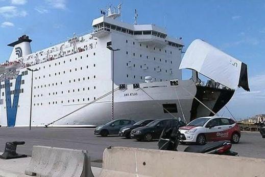 """استمرار معاناة المغاربة العالقين بسبب إغلاق ميناء """"سيت"""" الفرنسي"""