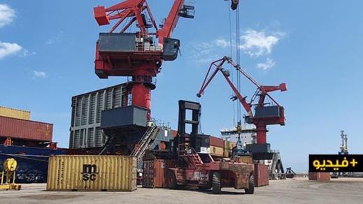 بمجهودات عامل الناظور ورئيس الجهة.. وصول أكبر شحنة للحاويات إلى ميناء بني انصار