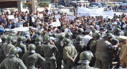 القوة العمومية تقمع مسيرة الغضب بزايو وتمنعها من مواصلة الشكل الاحتجاجي