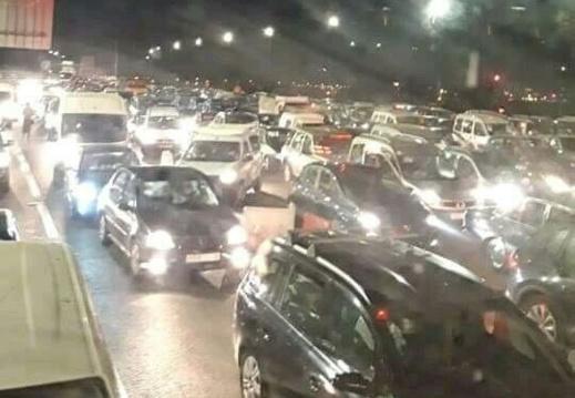"""ناظوريون يقضون """"ليلة سوداء"""" بسبب قرار منع التنقل من وإلى المدن """"الموبوءة"""""""