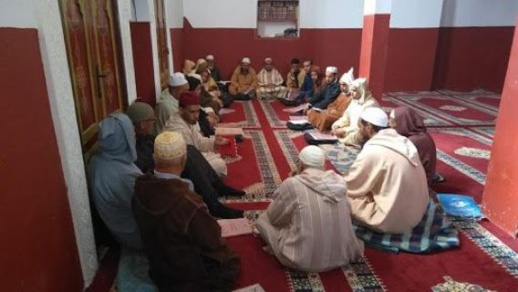 """استئناف قراءة """"الحزب الراتب"""" في المساجد بعد صلاتَي الصبح والمغرب"""