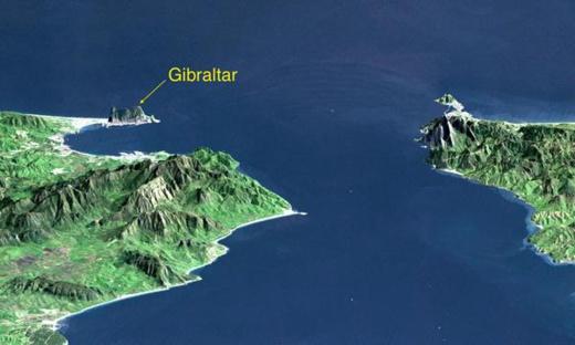 """تصوّر """"مبتكر"""" لبناء سدّ في مضيق جبل طارق يربط المغرب بإسبانيا"""