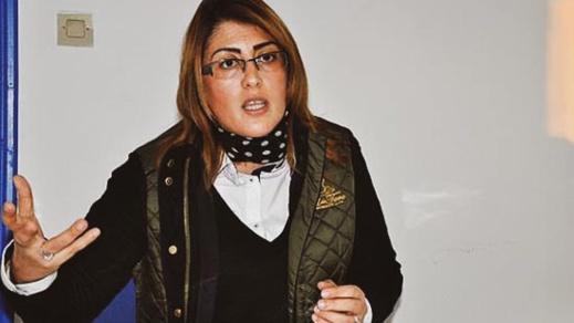 """ليلى أحكيم غاضبة من مدير الشبيبة والرياضة بسبب محاولة """"استيلائه"""" على مسبح الناظور"""