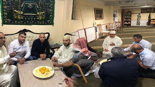 أفراد الجالية المغربية بالدانمارك يحتفلون بعيد الأضحى في ظروف إستثنائية