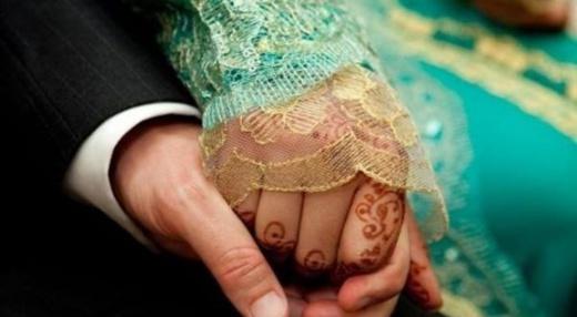 """حفل زفاف """"سرّي"""" ينتهي بإعتقال العريسين ووالدتيهما"""