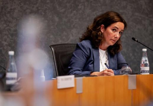 عمدة أمستردام: إذا تواصَل تسجيل إصابات مرتفعة بكورونا سيتم إغلاق المدينة