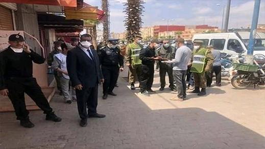 سلطات الناظور توقف مجموعة من المواطنين القادمين بدون رخصة سفر من مدن تم إغلاقها