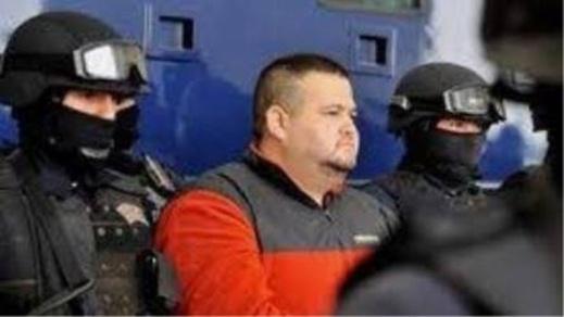"""الأمن الإسباني يعلن عن تفكيك عصابة دولية """"منظمة جدا"""" تهرب المخدرات من شمال المغرب"""
